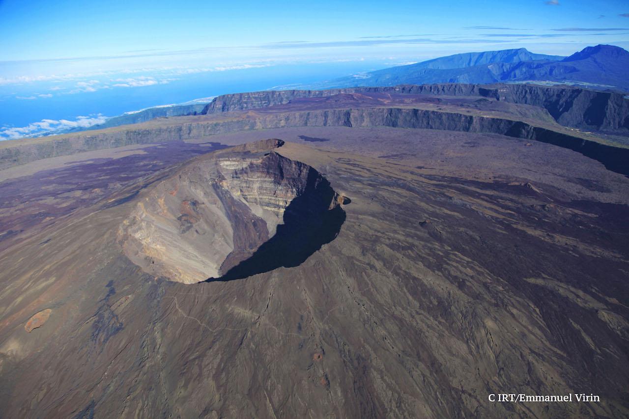Vue aérienne du cratère
