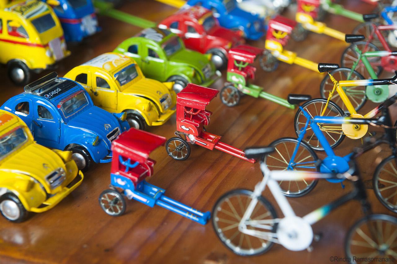 Jouets miniatures produits les artisans d'Antsirabe