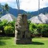 Tiki en pierre dans les jardins du Moréa Pearl