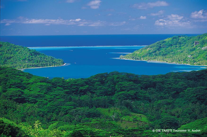 Vue panoramique de la baie de Haamene à Tahoa