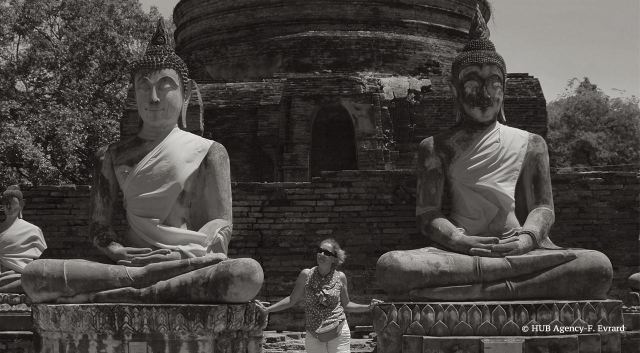 Bouddha et Jennifer Wat Yai Chaimongkol
