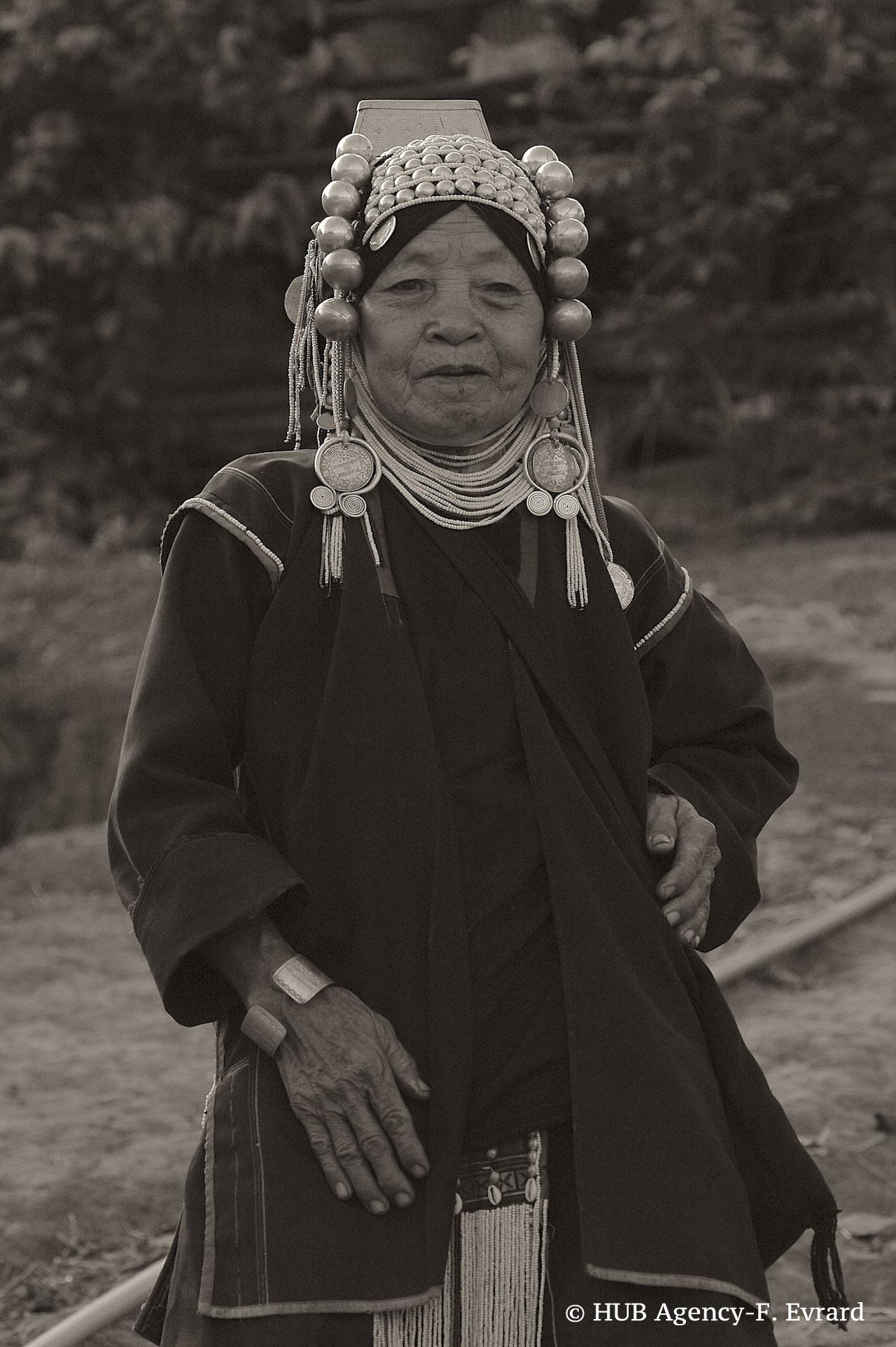 Villageoise d'origine birmane